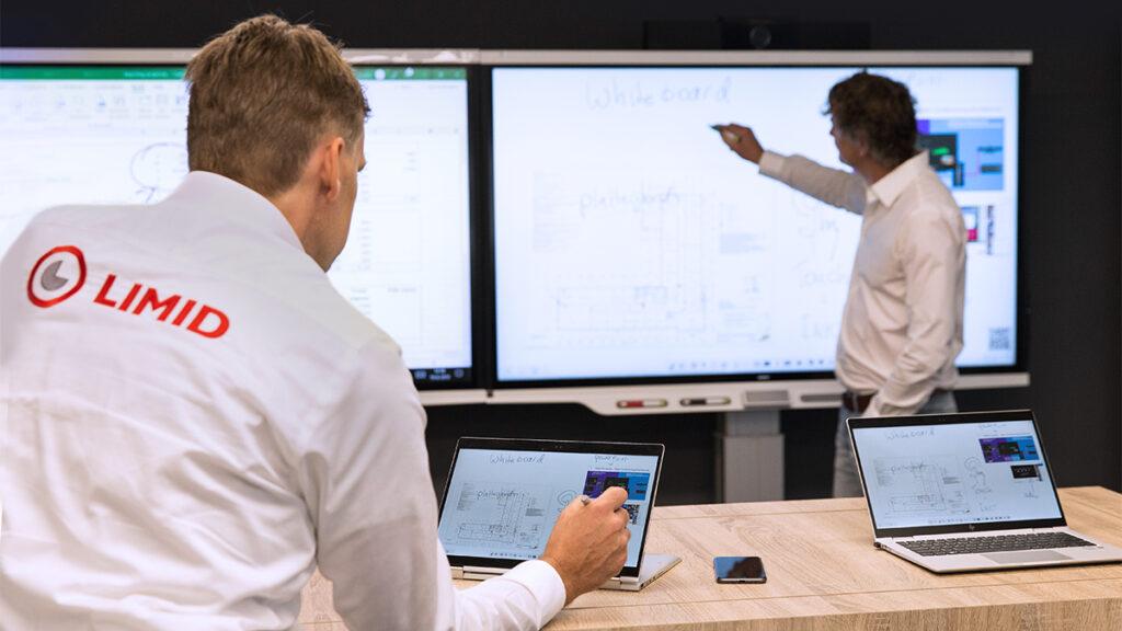 SMART TeamWorks mobiel aan scherm verbinden laptop op scherm projecteren